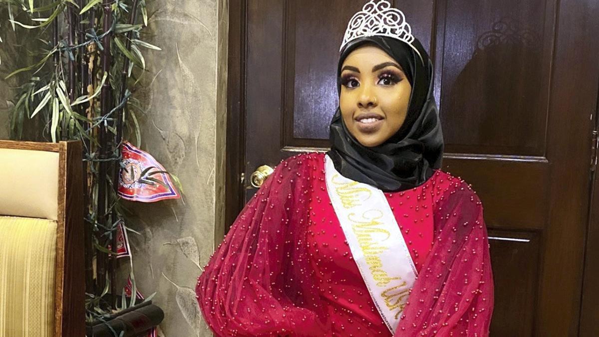 if28-sep-muslimah-pageant-usa-mainart